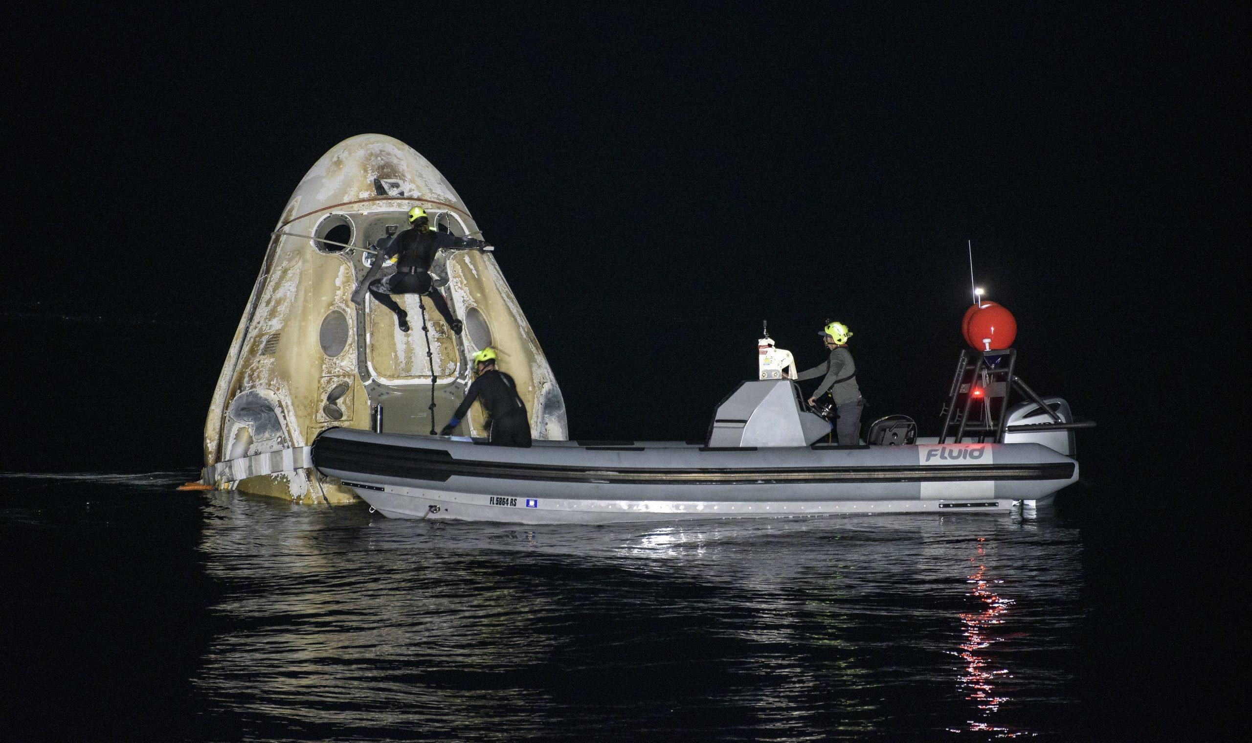 Fluid Recovery Boat - Nighttime Splashdown
